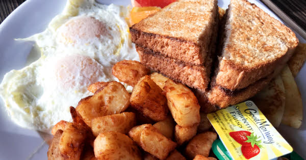 Bistro du March�: A Farmer's Breakfast thumbnail