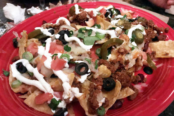 Chili Con Carne Nachos thumbnail (click to enlarge)