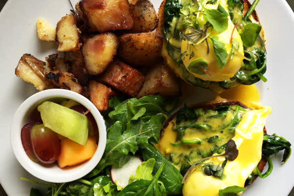 Communion: Eggs Benedict, Spinach thumbnail (click to enlarge)