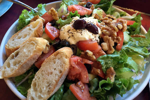 Salad with Warm Goat Cheese thumbnail (click to enlarge)