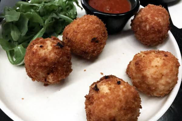 Mac & Cheese Balls thumbnail (click to enlarge)