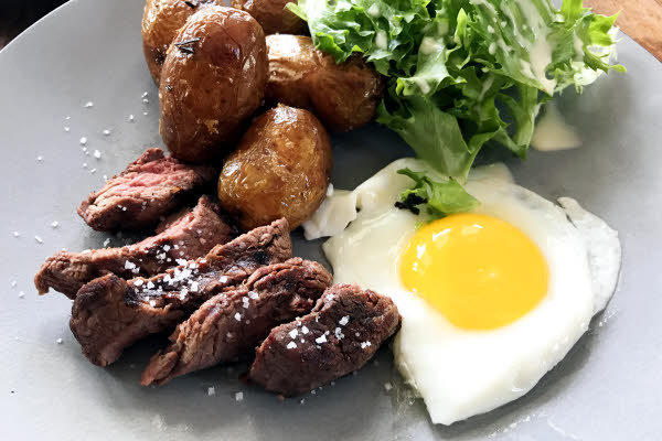 Steak N Egg thumbnail (click to enlarge)