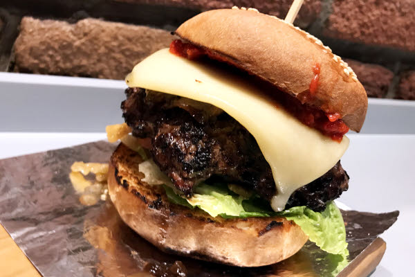 Pedro's Burger thumbnail (click to enlarge)