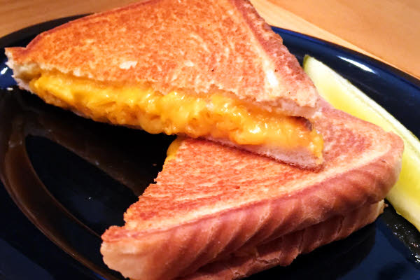 Mac n' Cheese Grilled Cheese thumbnail (click to enlarge)