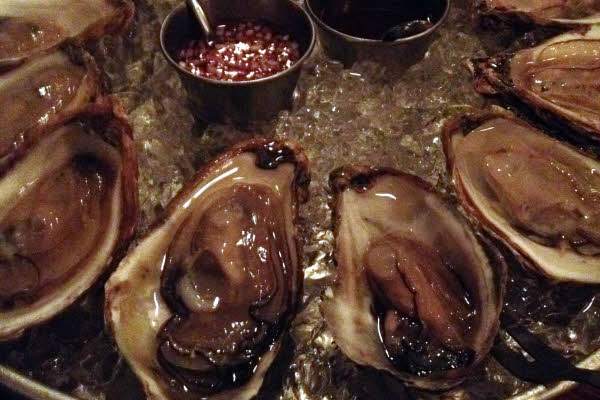 Raspberry Point (PEI) Oysters, 12 thumbnail (click to enlarge)