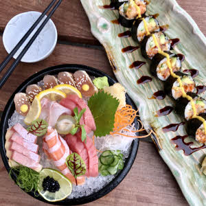 Sashimi & Maki thumbnail (click to enlarge)