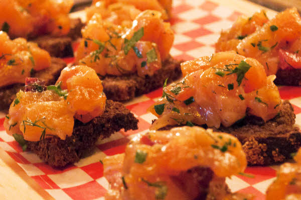 Tartare de saumon thumbnail (click to enlarge)