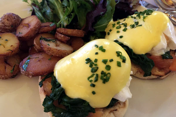 Salmon & Spinach Benedict Eggs thumbnail (click to enlarge)