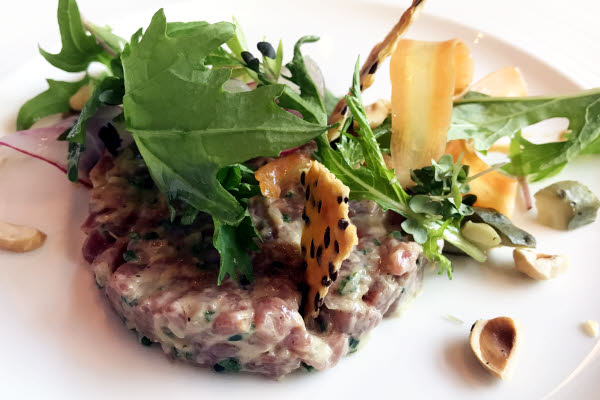 Tartare de canard thumbnail (click to enlarge)